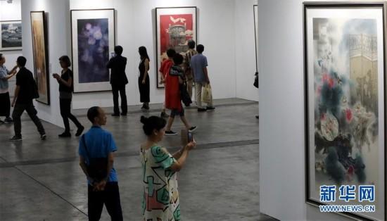 """(文化)(3)""""全球水墨画大展""""在香港举行"""