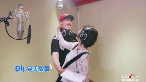 《我们相爱吧2》潘玮柏连连耍帅失败却圈粉 背后拥抱吴昕甜掉牙
