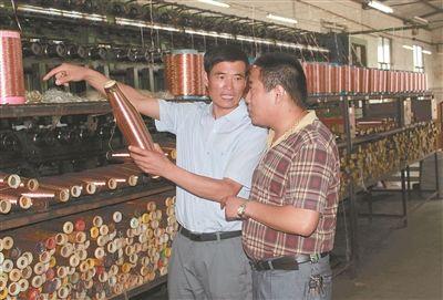 江苏时代楷模钟佰均:用旧渔网拉出富民新产业