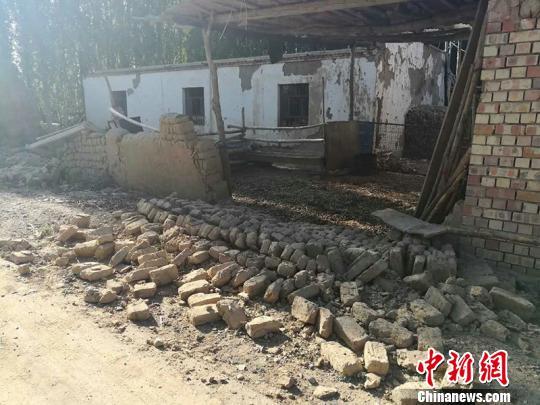 新疆精河6.6级地震致32人受伤千所房屋倒塌受损(图)