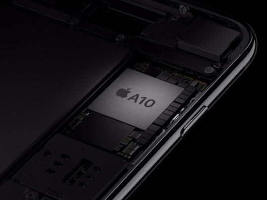 iphone常规充电器输出电压为5伏,电池为1安培,总功率5瓦特.