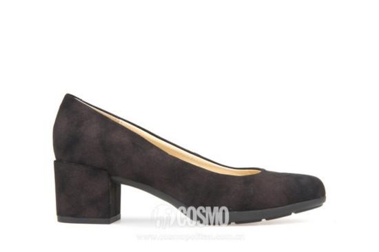 高跟鞋来自GEOX 售价 可从品牌官网购买