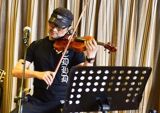 汪峰演唱会实力护妻不安排章子怡上台