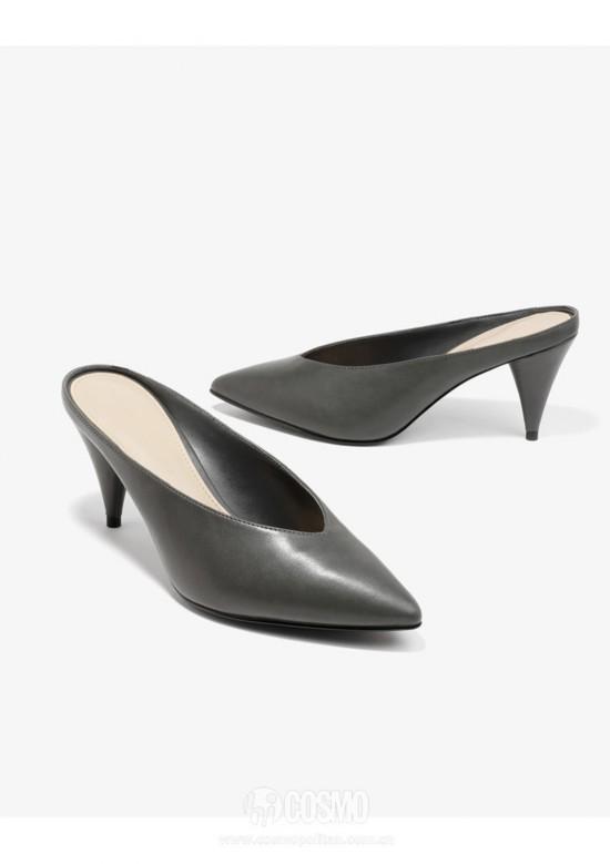 高跟鞋来自CHARLES&KEITH 售价339元 可从品牌官网购买