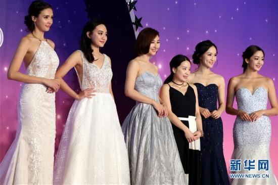 (服务)(5)香港结婚节上演婚纱汇演