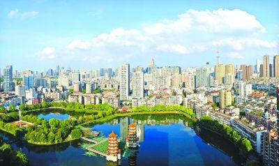 蓝天白云江城天天见 上月空气质量优良天超九成
