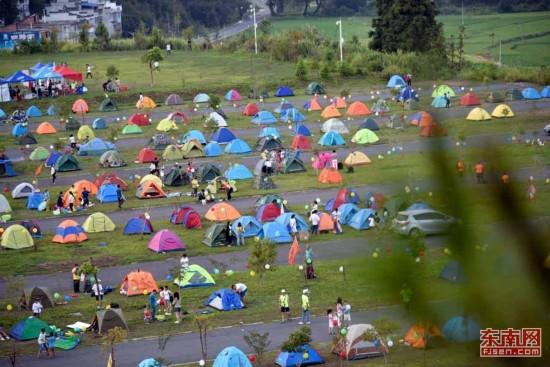 三明泰宁七夕国际帐篷节吸引5000名户外驴友参加