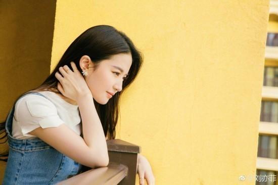 赵薇领衔女星完美侧颜:赵丽颖杨幂娜扎baby热巴郭碧婷陈妍希