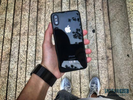 iPhone 8最新消息:9月开始量产 彻底抛弃指纹