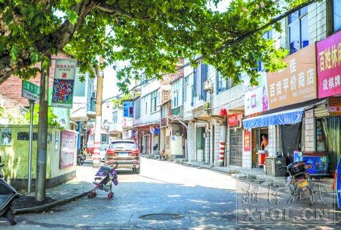 喇叭街和瞻岳门路以前都叫油榨巷,图为瞻岳门路。(记者陈旭东摄)
