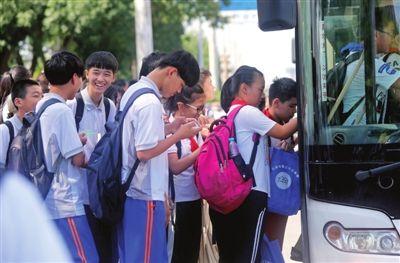 天津开学首日绿色出行
