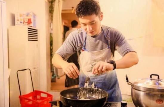 《中餐厅》黄晓明爆料赵薇跟王菲学歌 最具潜力主厨靳梦佳再出新菜