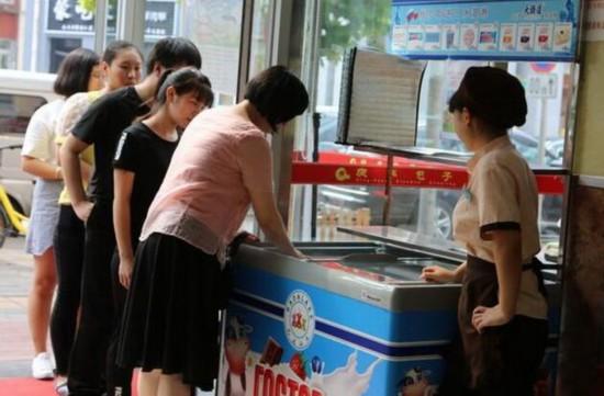 俄冰淇淋在华销售火热 老字号庆丰包子铺开卖俄罗斯冰淇淋