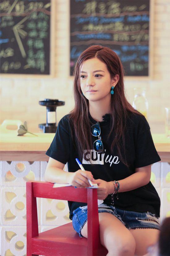 《中餐厅》收视持续夺冠 赵薇宣布餐厅盈利做公益