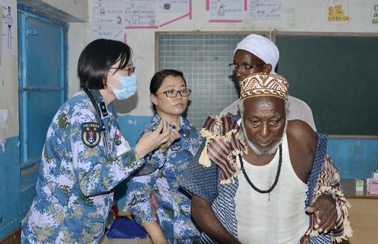 中國和平方舟醫生在吉布提義診