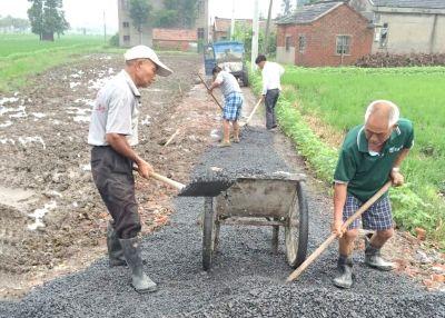 """海安万庄村:夯实强村""""铺路石"""" 打通富民路"""