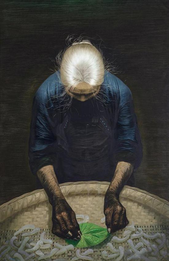 罗中立1982年创作的第二幅《春蚕》是本季北京拍卖中的话题之作,作品来自海外藏家,最终在中国嘉德以4945万元被泰康系竞得,刷新了罗中立的最高拍卖纪录。