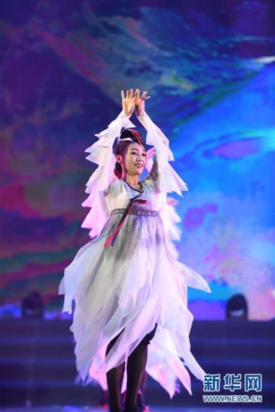 (文化)(2)吉林延边:载歌载舞迎州庆