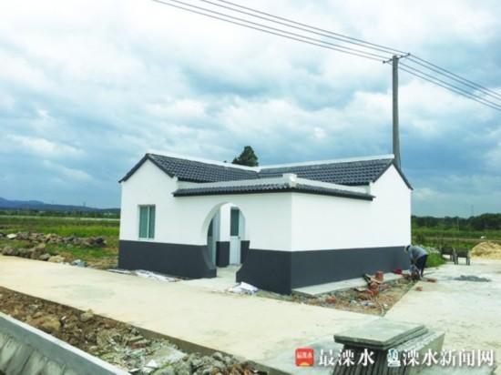 南京溧水乡村公厕成风景线 设残疾人专用间