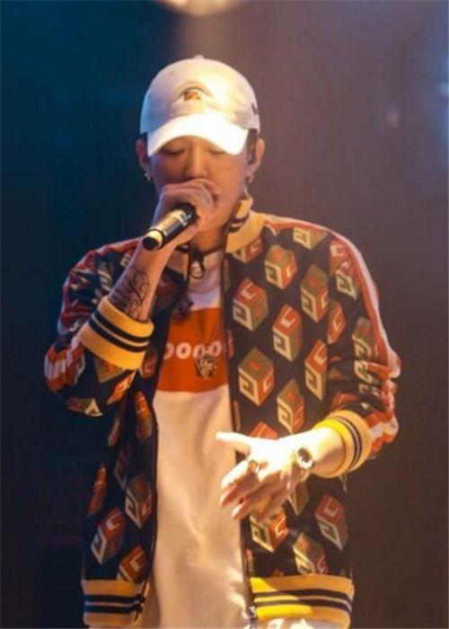 中国有嘻哈冠军pgone和gai双冠军 中国有嘻哈VAVAJonyJ遭淘汰