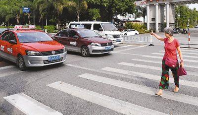 城市机动化来临 路权意识跟上了吗