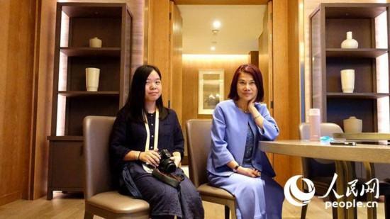 格力电器董事长兼总裁董明珠接受人民网记者采访。