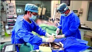 江苏昆山年轻妈妈患心肌炎 心脏停跳十天被救回