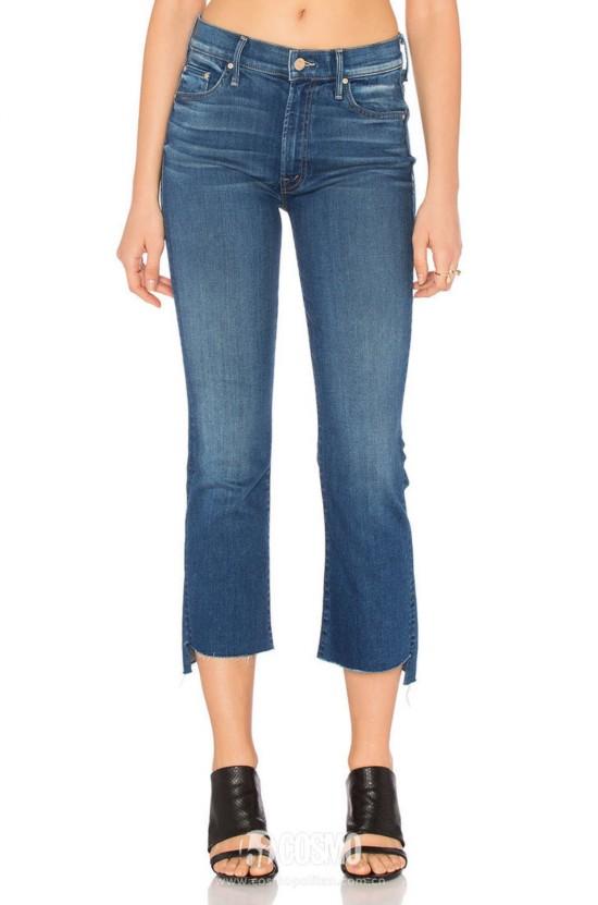 牛仔裤来自Mother 售价1383元 可从美国Revolve购买