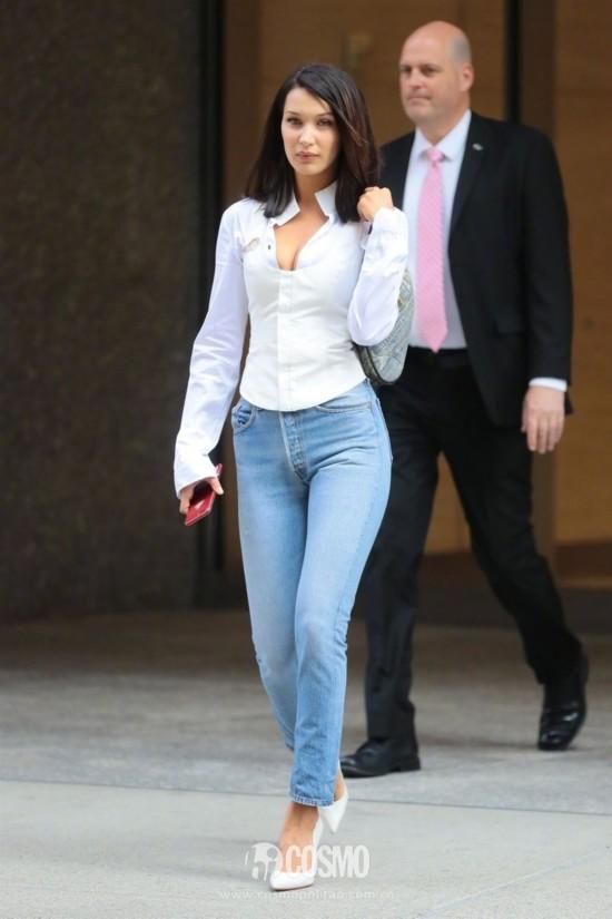 Bella Hadid 当地时间8月26日纽约外出的街拍 Re done
