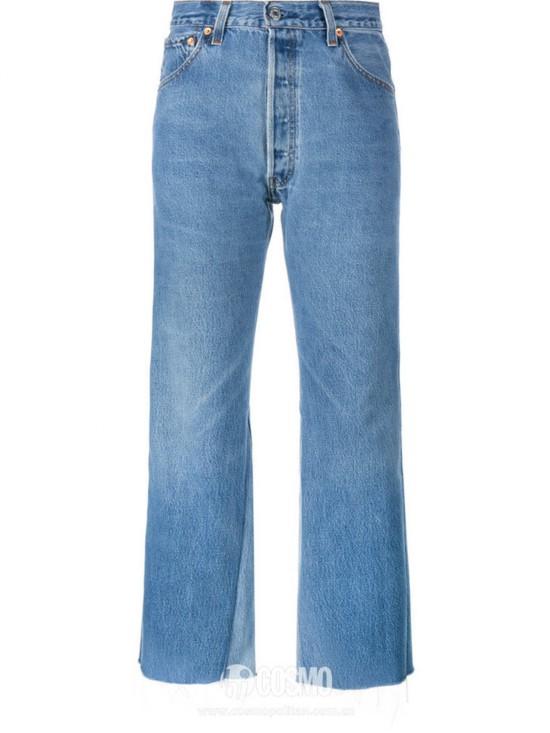 牛仔裤来自RE/DONE 售价2117元 可从英国BrownsFashion购买