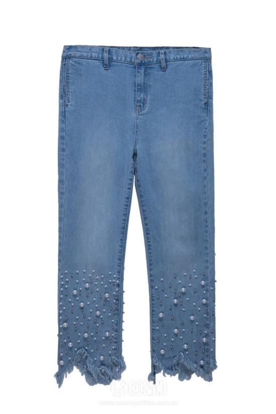 牛仔裤来自NEWLOOK 售价349元 可从品牌官网购买