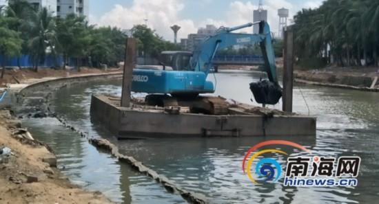 海口美舍河生态修复二期B段清淤扩绿化面种红树林
