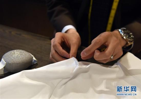 (图文互动)(5)匠心剪裁岁月华服――记香港老牌裁缝的代际传承