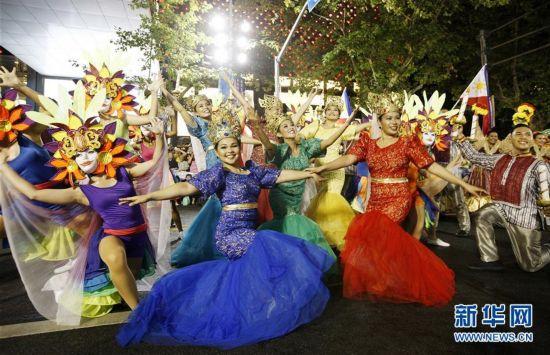 (社会)(5)上海旅游节花车巡游活动举行