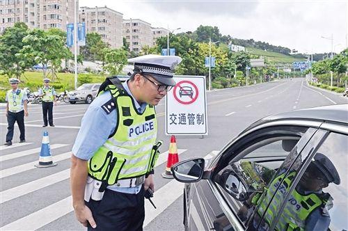 南宁交警升级智慧安保 全力以赴遏制乱象倡导礼让