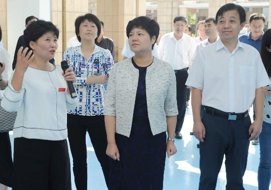 蔡丽新赴周恩来红军小学开展教师节慰问活动