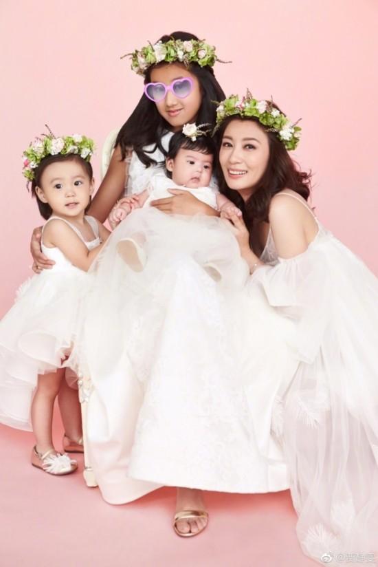 贾静雯一家五口拍摄亲子照 被女儿包围温馨幸福【3】