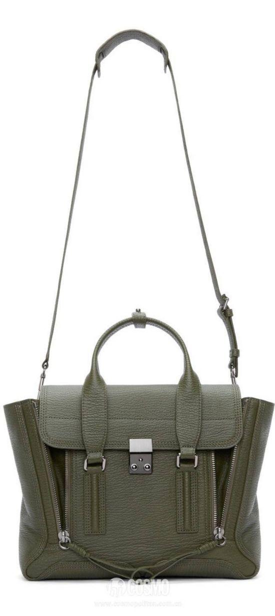 包袋来自3.1 Phillip Lim 售价3154元 可从加拿大SSENSE购买