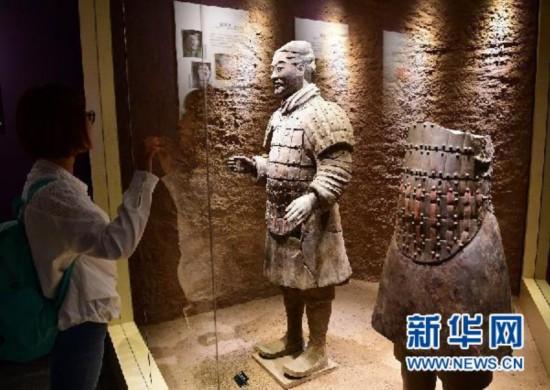 """一个你未曾见过的彩色世界――还原秦始皇帝陵兵马俑的""""中国色彩"""""""