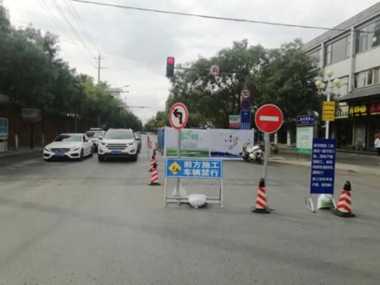 银川新华街部分路段分批修路将半封闭单行