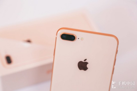 iPhone 8 Plus摄像头采用镶嵌工艺