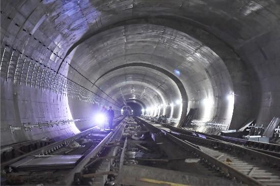 新疆乌鲁木齐地铁一号线加紧施工