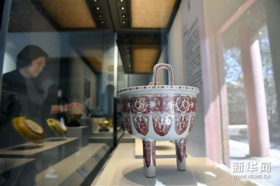 (文化)(1)故宫举办明代御窑瓷器对比展