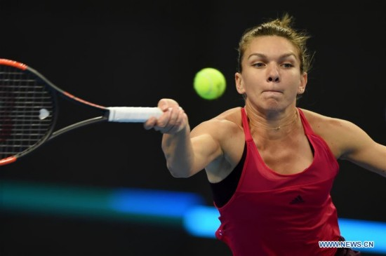 Halep beats Sharapova 2-0 at China Open women's third round