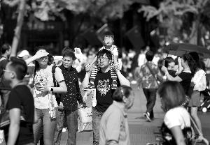 长假即将结束 南京各大景区客流量明显回落