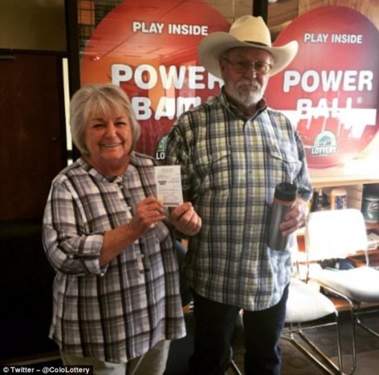 美国科罗拉多州67岁奶奶用同一号码买彩票30年中大奖