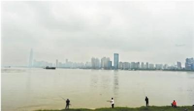 汉江武汉段水位超过警戒水位 武汉市防指发布汉江防汛三级预警