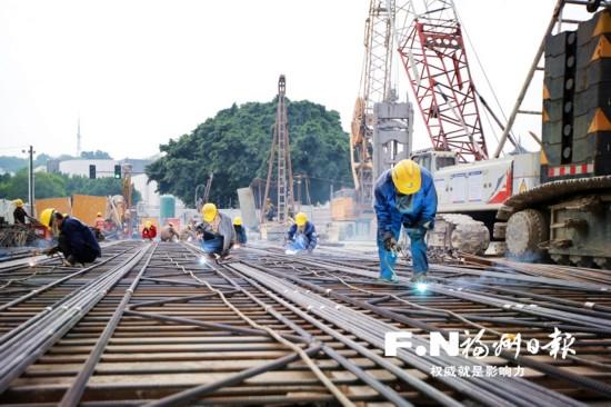 """国庆黄金周7784名地铁建设者""""在线""""施工"""