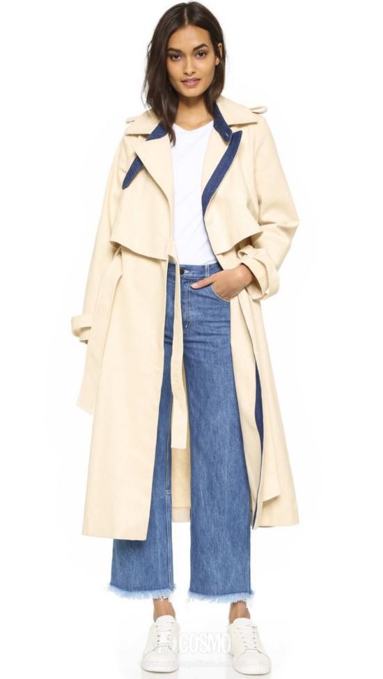外套来自Sandy Liang 售价4957元 可从美国Shopbop购买