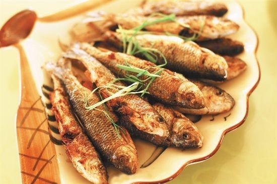 香煎石鲮鱼